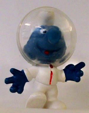 Mondschlumpf mit Astronautenhelm