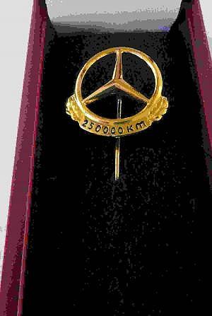 Mercedes-Benz Nadel 250000 Kilometer, Silber vergoldet