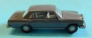 141 Mercedes 200/8 grau